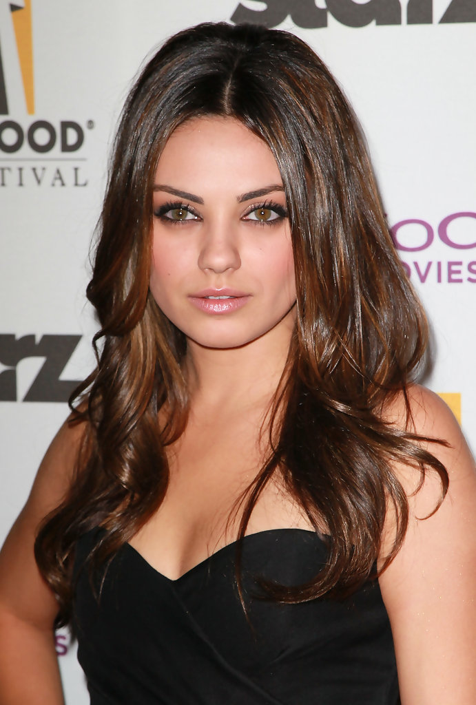 mila kunis long curls mila kunis long curls looks. Black Bedroom Furniture Sets. Home Design Ideas