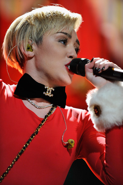 Miley Cyrus Diamond Choker Necklace