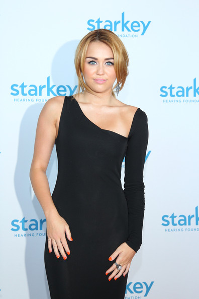 Miley Cyrus Cocktail Ring [starkey hearing foundation ``so the world may hear awards gala,clothing,shoulder,cocktail dress,dress,turquoise,joint,aqua,little black dress,neck,electric blue,miley cyrus,minnesota,st. paul,river centre,starkey hearing foundation,so the world may hear awards gala]