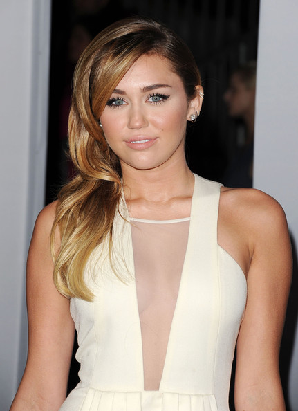 Miley Cyrus Side Sweep [hair,fashion model,beauty,human hair color,hairstyle,blond,long hair,chin,fashion,layered hair,arrivals,miley cyrus,peoples choice awards,california,los angeles,nokia theatre l.a. live]