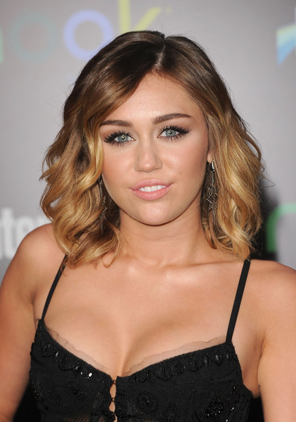 miley cyrus with shoulder length hair 2015 miley cyrus