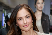 Minka Kelly Long Wavy Cut