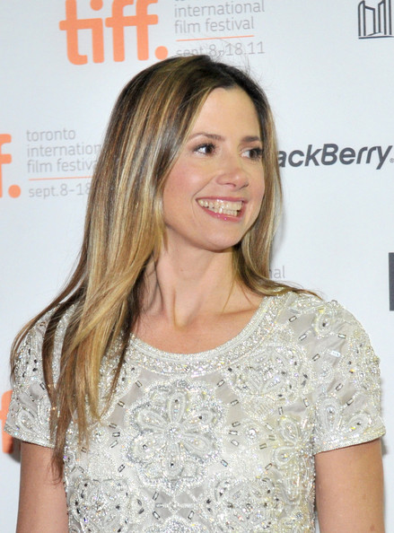 Mira Sorvino Layered Cut
