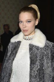 Lea Seydoux sported a cute retro-style pony at the Miu Miu fashion show.