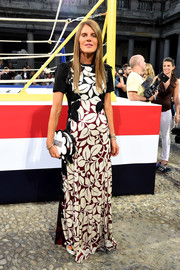 Anna dello Russo donned a classy floor-grazing leaf-print dress by Marc Jacobs for the Moncler Gamme Bleu fashion show.
