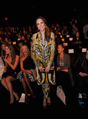 Louise Roe looked striking in a boldly printed Monique Lhuillier pantsuit during the label's fashion show.