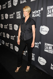 Jenna Elfman wore a cute black belted top at the debut of 'The 24 Hour Plays.'