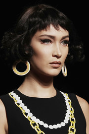 Bella Hadid looked cute with her cat eyes at the Moschino Spring 2017 show.