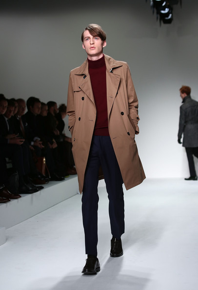 http://www3.pictures.stylebistro.com/gi/Mr+Start+Catwalk+London+Collections+MEN+AW13+aOYdp9SFit3l.jpg