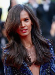 Liya Kebede looked like she just stepped out of a shampoo commercial with this bouncy wavy 'do during the 'Mr. Turner' premiere.