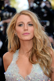 Blake Lively was sexily coiffed with mermaid hair at the 'Mr. Turner' premiere.