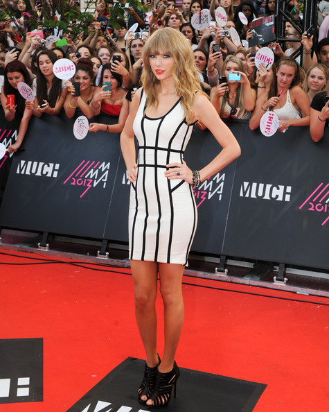 Taylor Swift Wore Herve Leger at the MuchMusic Video Awards