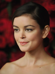 Nora Zehetner wore her hair in a lovely, classic chignon at MOMA's 4th Annual Film Benefit.