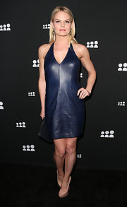 Jennifer Morrison chose a deep midnight blue leather dress for her sexy but simple look at the Myspace event in LA.
