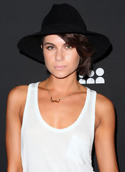 Leah LaBelle looked hip and chic with this black wide-brimmed hat.