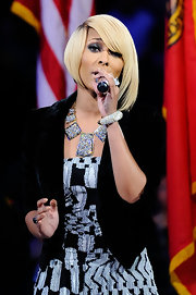 Keri Hilson preformed at the All-Star game wearing a diamond bangle bracelet.