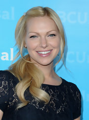 Laura Prepon flashed a glowing smile and a glossy pout at the TCA Tour All-Star Party.