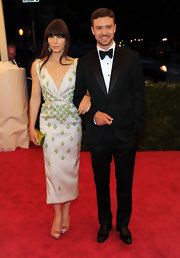Justin looked retro charming in this dapper suit and bow tie at the amfAR Gala.