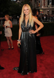 Malin Akerman looked like a futuristic take on the '70s in this silver pleated number.