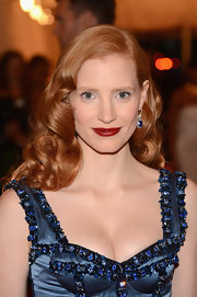 Jessica Chastain wore her hair in gorgeous glossy curls at the Costume Institute Gala.