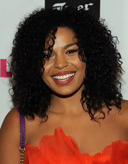 Jordin Sparks showed off her natural curls at the NYLON Magazine party with soft ringlet curls.