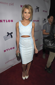 Chelsea Kane paired her pretty pastel frock with cool two tone pumps featuring ivory and white patent leather.