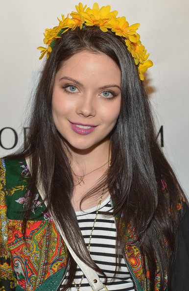 A lovely lavender lipstick gave Grace Phipps' beauty look a fun and flirty touch.