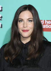 Liv Tyler framed her face with a subtly wavy 'do for the Naked Heart Foundation's Fabulous Fund Fair.