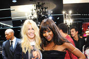 Claudia Schiffer and Naomi Campbell Photo