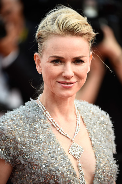 Naomi Watts Oversized Pendant Necklace
