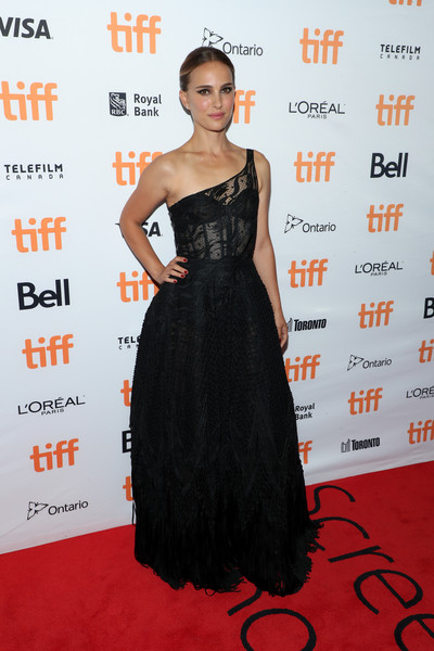 Natalie Portman One Shoulder Dress [lucy in the sky,dress,clothing,red carpet,shoulder,carpet,fashion model,hairstyle,premiere,fashion,gown,premiere - arrivals,natalie portman,toronto,canada,princess of wales theatre,toronto international film festival,premiere]
