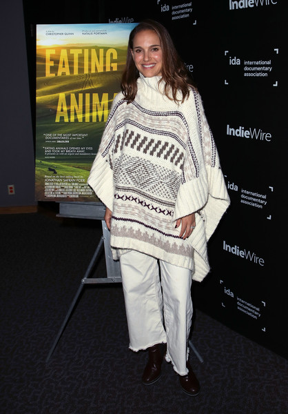 Natalie Portman Flare Jeans [international documentary association hosts special screening of ``eating animals,eating animals,clothing,fashion,premiere,shoulder,outerwear,fashion design,footwear,carpet,event,flooring,natalie portman,screening,california,los angeles,dga theater,international documentary association]