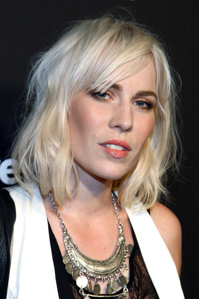 Natasha Bedingfield Medium Wavy Cut with Bangs