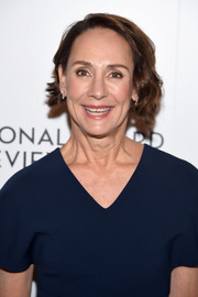 Laurie Metcalf wore her hair in short curls at the 2018 National Board of Review Awards Gala.