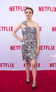 Gillian Jacobs showed lots of skin in this metallic one-shoulder mini dress during the Netflix Emmy season casting event.