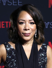 Selenis Leyva looked ladylike with her curly lob at the Netflix FYSEE kickoff event.