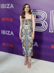 Gillian Jacobs completed her ensemble with a pair of Stuart Weitzman Nudist sandals.