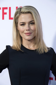 Rachael Taylor wore her hair down to her shoulders in a straight, subtly layered style during the 'Jessica Jones' FYC screening.