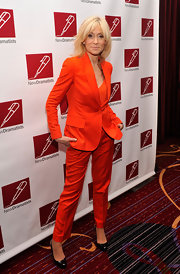 Judith Light's orange pantsuit was perfectly tailored to her body! Most people couldn't wear this much bright orange but she is doing it with such ease.