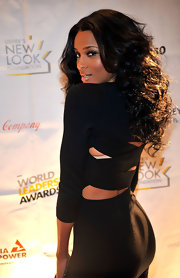 The R & B diva flaunted her amplified curls while attending a foundation event in Atlanta. We love her raven hue!