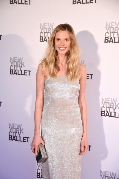 Anne V went for high shine with this silver box clutch and gown combo at the New York City Ballet Spring Gala.