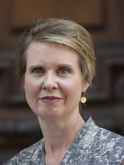 Cynthia Nixon campaigned in New York City wearing this short side-parted hairstyle.