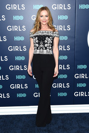 Leslie Mann paired an Alexander McQueen off-the-shoulder top with black wide-leg pants for the New York premiere of the final season of 'Girls.'