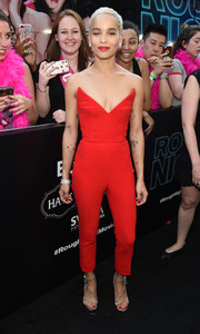 Zoe Kravitz was red-hot in a strapless, low-cut jumpsuit by Oscar de la Renta at the New York premiere of 'Rough Night.'