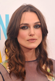 Keira Knightley wore her dark tresses down with piecey waves during the premiere of 'Begin Again.'