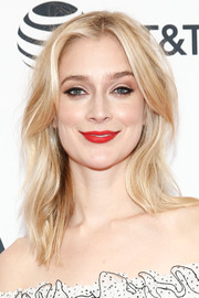 Caitlin Fitzgerald rocked messy-sexy waves at the world premiere of 'Sweetbitter.'