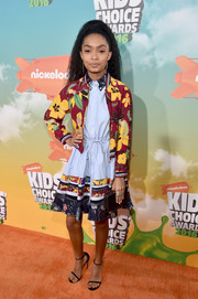 Yara Shahidi teamed her dress with a floral zip-up jacket, also by Tommy Hilfiger.