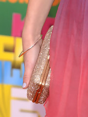 Nathalia Ramos wore a thin bangle bracelet at the Kids' Choice Awards.