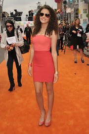 Madison Pettis donned this two tone strapless number at the Kids' Choice Awards.