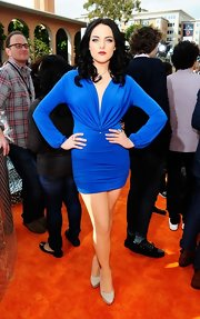 Elizabeth Gillies was saucy in this royal blue dress at the Kids' Choice Awards.